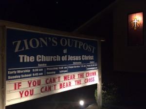 2015-11-08-ZO-Sign-Crown-Cross
